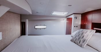 ArrowCat 420 Master Berth