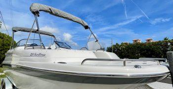 Splendor 259 Sunstar boat for sale