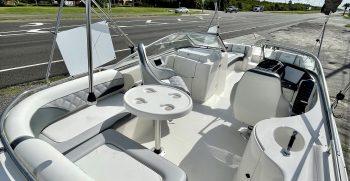 Splendor 259 Sunstar boat space