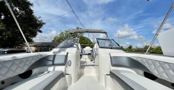 Splendor 259 Sunstar boat seating